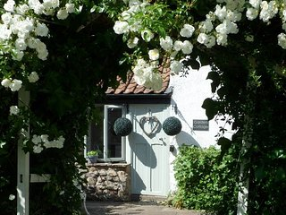 MAGOR Cottage in Caldicot, Chepstow