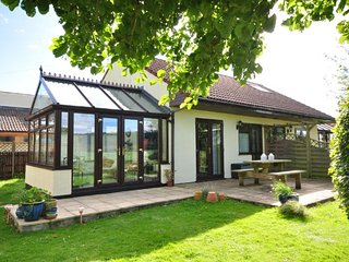 LAZYR Cottage in Burnham-on-Se, Fordwich