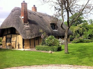 THETH Cottage in Bicester Vill, Shabbington