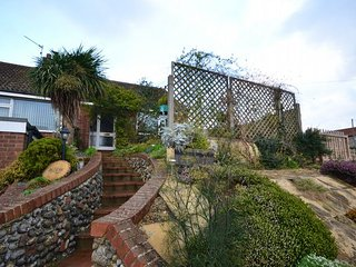 32127 Bungalow in Cromer, Paston