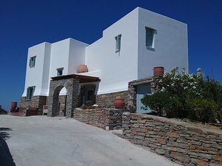 Casa Bianca Kea Greece