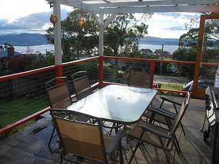 Inn-Cline, Hobart