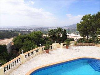 Vila increíble en una zona exclusiva, cerca de la ciudad de Ibiza, Ibiza Town