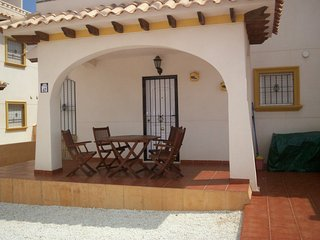 Luxury 3 bedroom Villa for rent sleeps 6+sofas., Cabo Roig