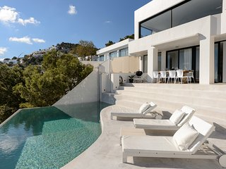 Luxury 5 bed room Villa in Roca Lisa, Ibiza
