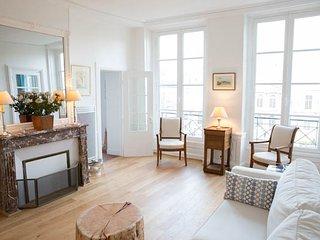 Exclusive 2 bedroom apartment in le Marais