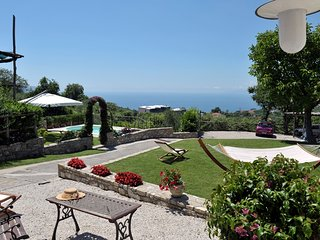 Amalfi Coast private Casa Nando, sea view, private pool, wi-fi, free parking