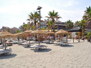 MARBELLA. ELVIRIA.    BEACHSIDE   A 50 METROS DE LA PLAYA  nikky beach. marritt
