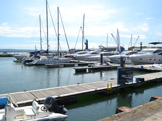 Luxury Apartment on Poole Quay