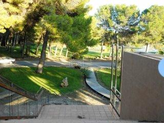 Alquilo apartamento en urbanización Son Parc