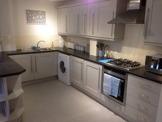 Modern clean duplex apartment close to city centre, Sheffield