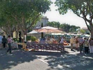El mercado del jueves en Goult