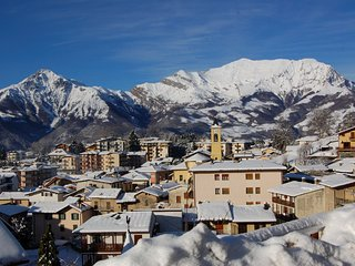 Ideal for nature lovers,snow, walking,climbing,SKI, Moggio