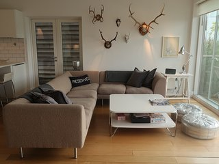 Cosy SCP Woodgate sofa in stylish living room