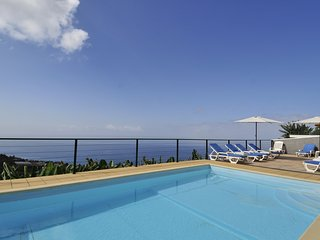Casa Vista do Ledo *Newly renovated*, Games Room, Private Pool, Sea Views, Wi-Fi