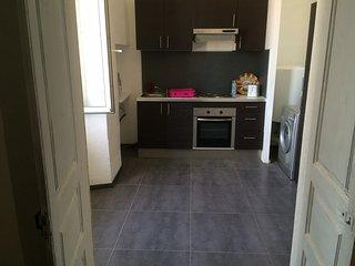 cuisine salon , photo provisoire en cours d'aménagement