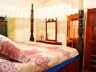 Cottage On The Hipstrip Double Bed, Montego Bay