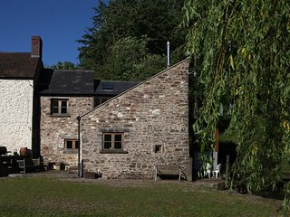 Cwm Cayo Mill Cottage (CWMCA), Usk