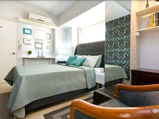 1BR Parkside Villas, Balcony near NAIA 3