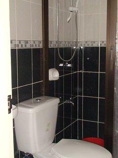 Unit 2 One Bedroom Toilet/Bath