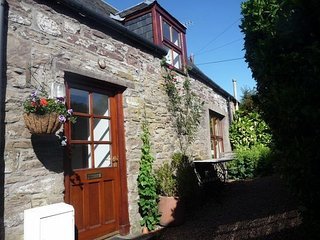 PE507 Cottage in Perth, Busby