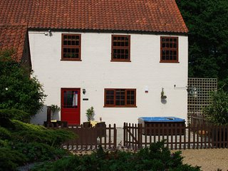 44168 Cottage in Aylsham, Horsford