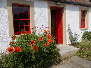 FF227 Cottage in Culross, Powmill