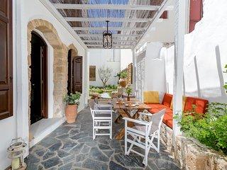Villa dei Pebbles, La ciudad de Rodas