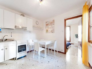 New Rachel1 apartment 75m2 10min Rialto Wifi, Veneza