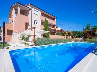 Comfortable apartment with a pool, Istria