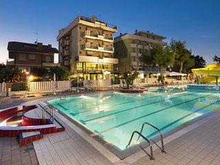 Appartamento con parcheggio e piscina, Misano Adriatico