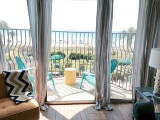 Palms - Luxury - Newly Renovated ! Oceanfront 3BR, Myrtle Beach