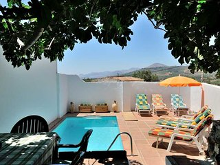 Charming traditional country house, great views, 4 bedrooms, private pool, BBQ