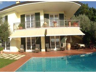 Appartamento  in villa con piscina, Torri del Benaco