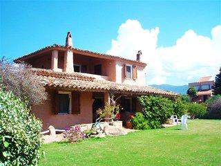 Villa La Roca, Capitana