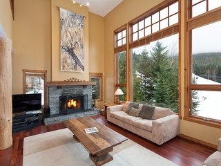 Luxury Slope Side Chalet Ski in/Out Sleeps 15, Whistler