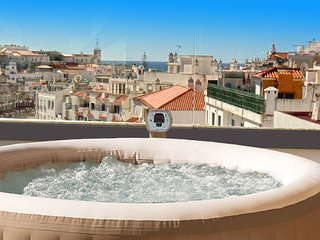 2 Bed Old Town Penthouse Jacuzzi *****