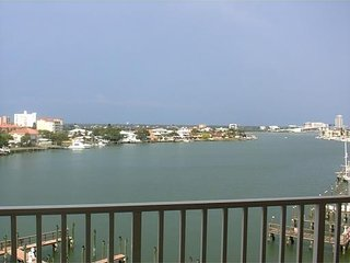 Luxurious Waterfront Condo, Clearwater