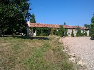 Gite Holiday Cottage Tranquil Organic Sheep Farm 2, L'Isle-Jourdain