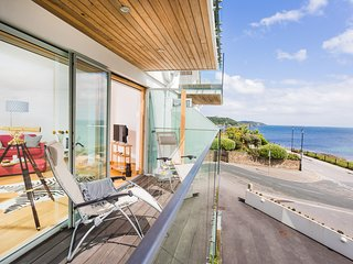 Luxury 5* Seafront Apartment With Amazing Views, Falmouth