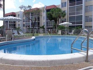 55 Plus Florida Getaway, Lauderhill
