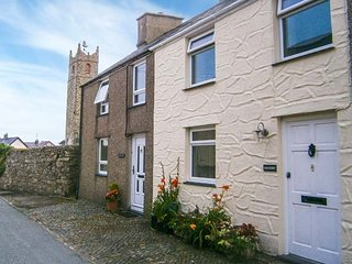 HADDEF luxurious accommodation, romantic, woodburner, WiFi, close to beach, in Nefyn Ref 933742