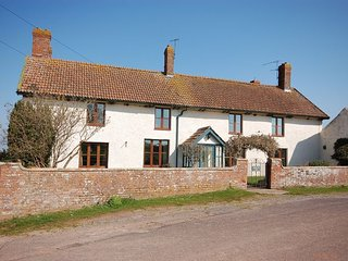 CHILL House in Burnham-on-Sea, Hatch Beauchamp