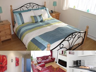 Holiday Bungalow, Wifi, Gardens, Sleeps 4, 9min from Filey, 30mins from Whitby,, Cayton