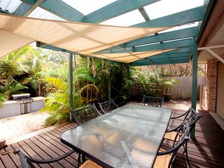 FRANGIPANI BEACH HOUSE - PET FRIENDLY  22 Belbourie Cres Boomerang Beach, Blueys Beach