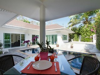 Private Pool Villa 4 bedrooms Green area, Chalong