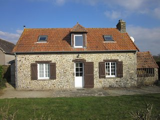 La Boulangerie, country cottage near beach, Denneville
