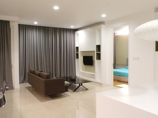 Luxurious suite near to KLCC, 3 mins to monorail, Kuala Lumpur