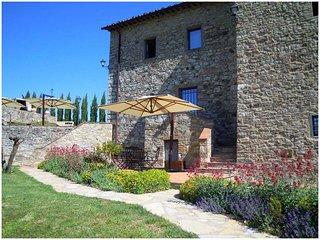 LYRA apartment - CASALTADIPESA com, Castellina In Chianti