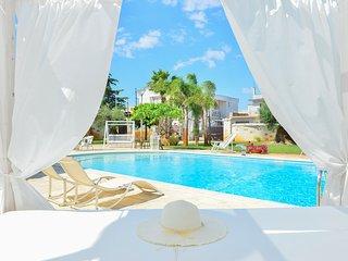 Villa con piscina idromassaggio Puglia Ostuni, San Michele Salentino